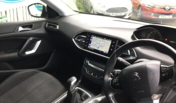 Peugeot 308 1.6 HDi Active, 2014, Manual, 5 Door Hatchback full
